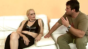 Ugly mature woman gets seduced by a deviant on sofa
