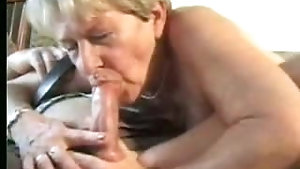 Mature wife takes hubby's cock up her hairy fuck hole