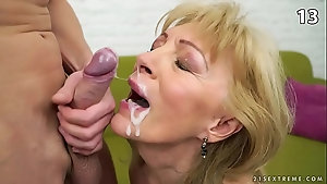 Young pussy naughty tease