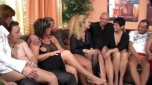 Lesbias porno orgie videoz